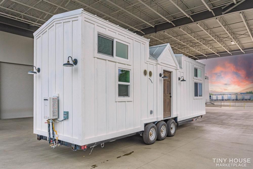 Move In Ready 3 Bed 1 Bath 8' x 32' Custom Tiny Home! - Slide 7