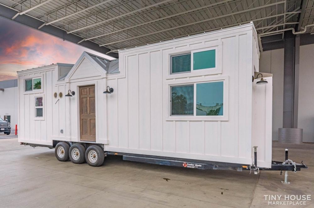 Move In Ready 3 Bed 1 Bath 8' x 32' Custom Tiny Home! - Slide 8