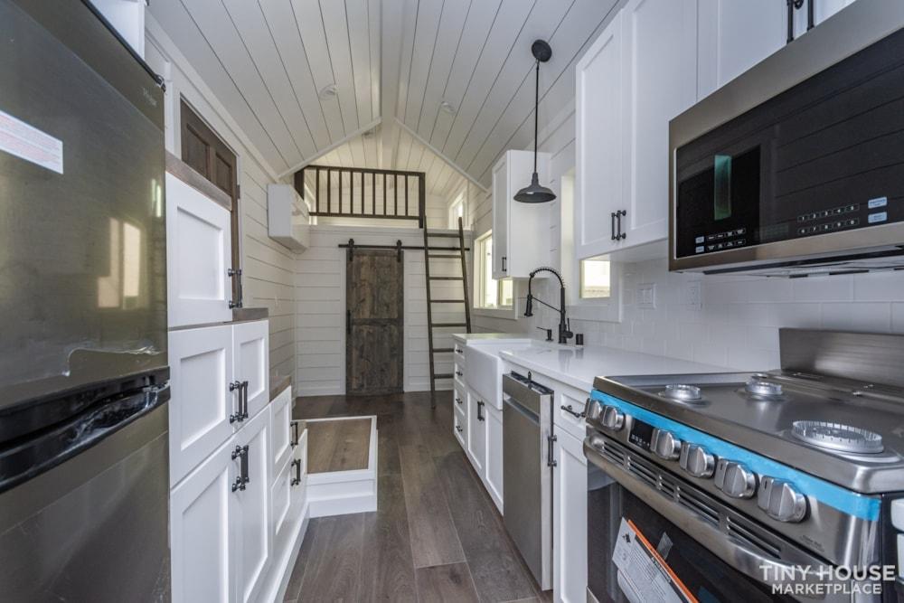 Move In Ready 3 Bed 1 Bath 8' x 32' Custom Tiny Home! - Slide 21