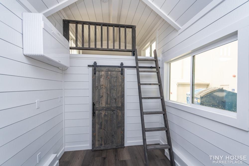 Move In Ready 3 Bed 1 Bath 8' x 32' Custom Tiny Home! - Slide 23