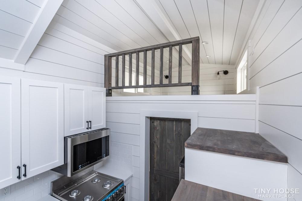 Move In Ready 3 Bed 1 Bath 8' x 32' Custom Tiny Home! - Slide 34