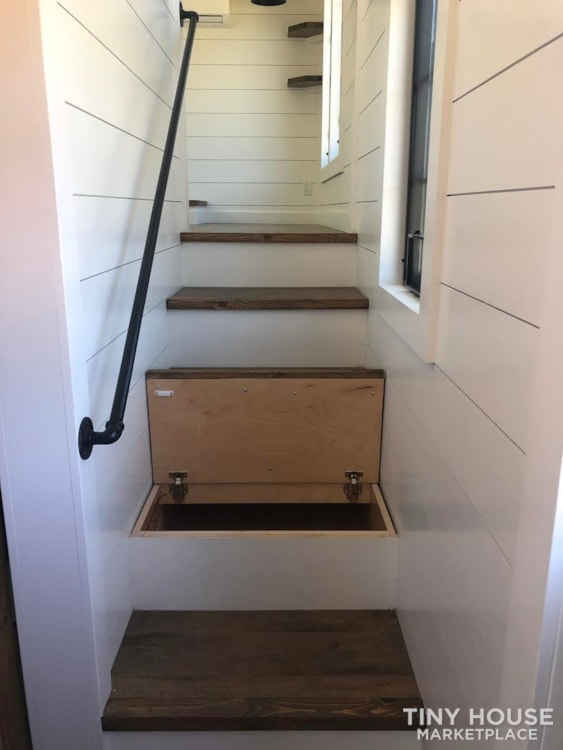 Custom Luxury Modern FarmHouse Tiny House (Built To Order & Customizable) - Slide 26