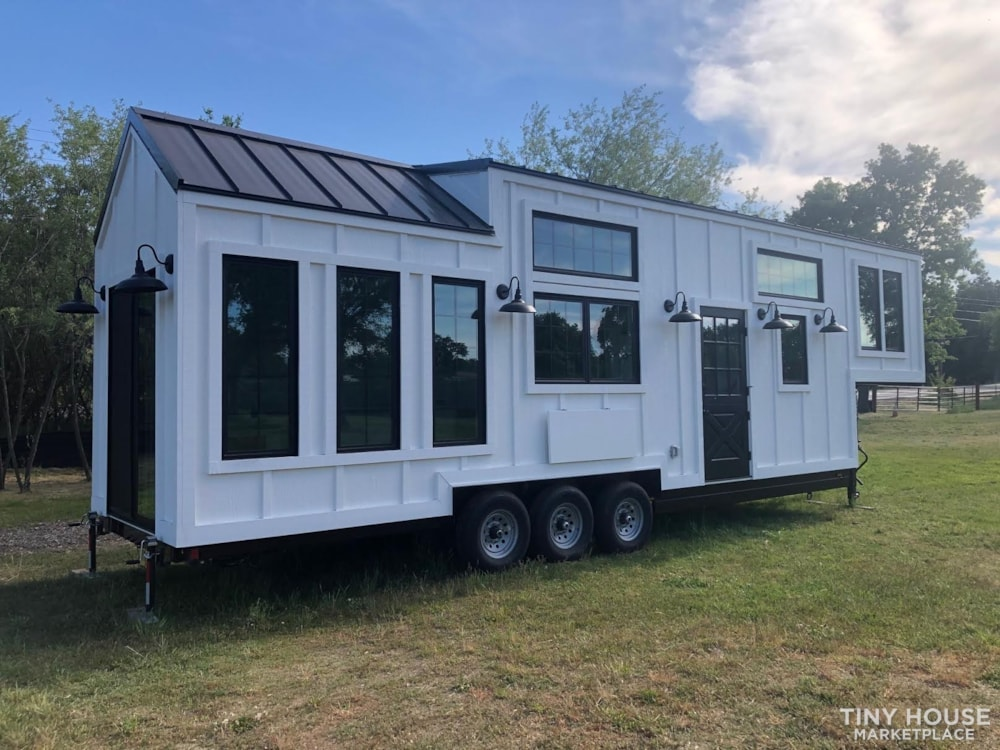 Custom Luxury Modern FarmHouse Tiny House (Built To Order & Customizable) - Slide 32