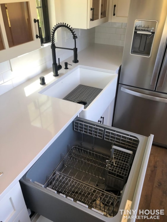 Custom Luxury Modern FarmHouse Tiny House (Built To Order & Customizable) - Slide 34