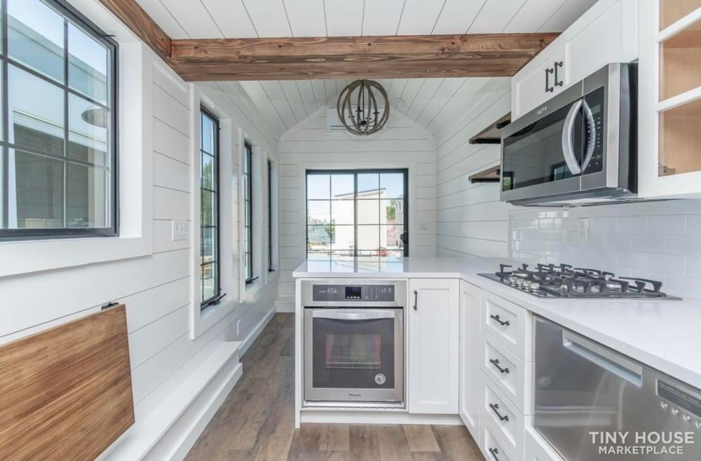 Custom Luxury Modern FarmHouse Tiny House (Built To Order & Customizable) - Slide 40
