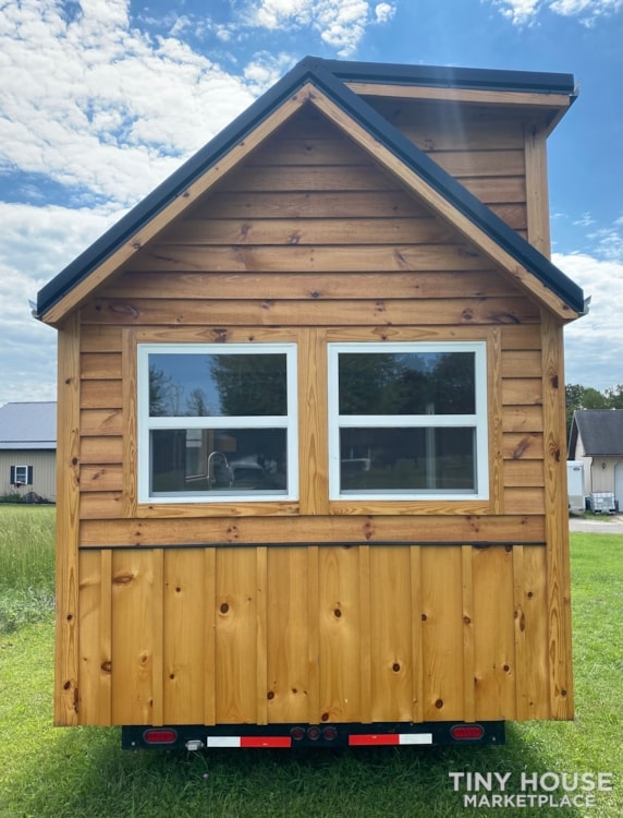 New 2021 Freedom Style 9'x28' Tiny Home on Wheels - Slide 4