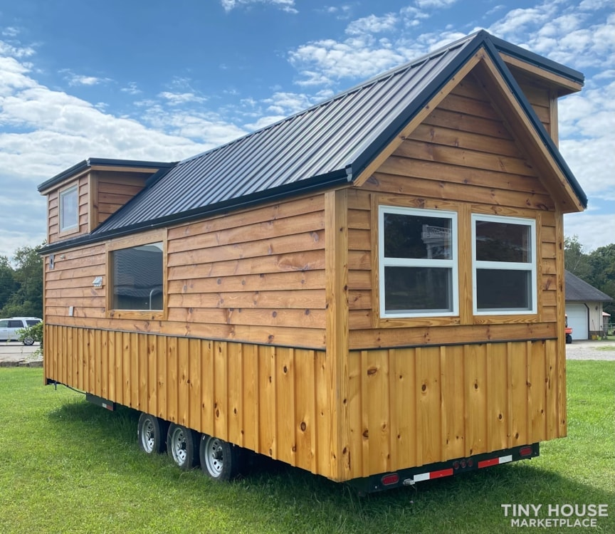 New 2021 Freedom Style 9'x28' Tiny Home on Wheels - Slide 5