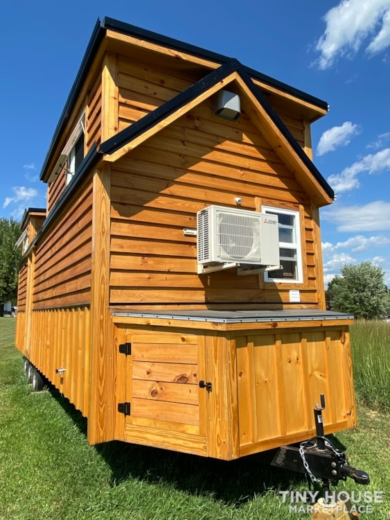 New 2021 Freedom Style 9'x28' Tiny Home on Wheels - Slide 7
