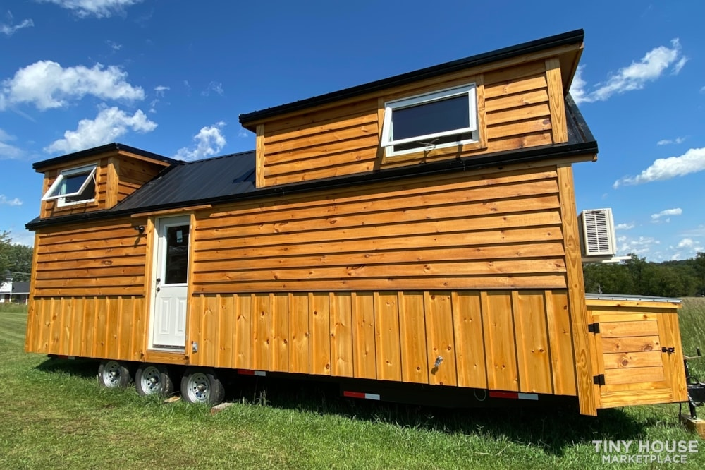 New 2021 Freedom Style 9'x28' Tiny Home on Wheels - Slide 8
