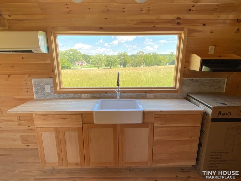 New 2021 Freedom Style 9'x28' Tiny Home on Wheels - Slide 18