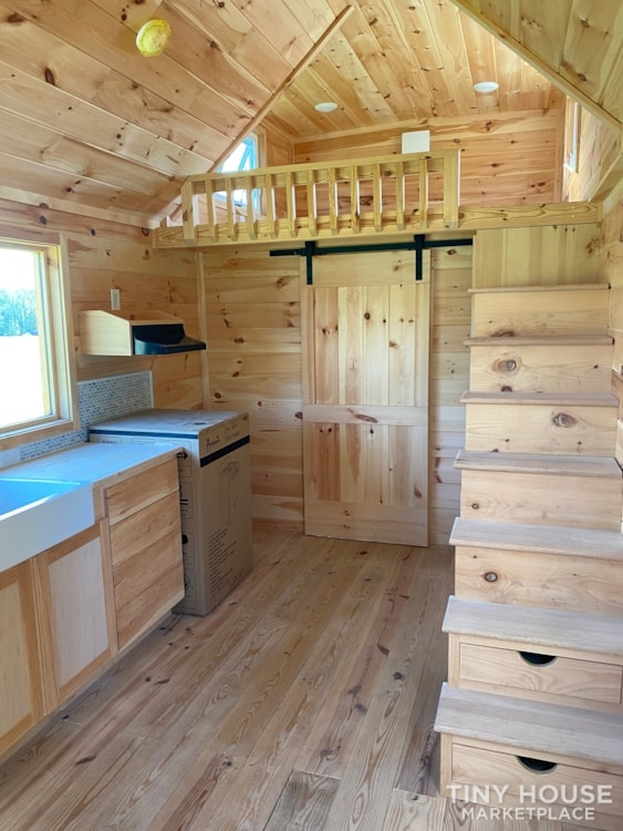 New 2021 Freedom Style 9'x28' Tiny Home on Wheels - Slide 19