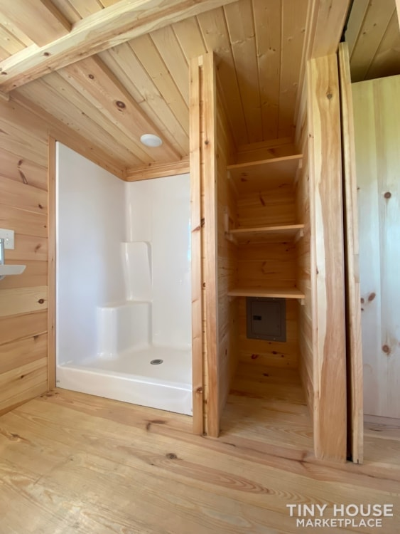 New 2021 Freedom Style 9'x28' Tiny Home on Wheels - Slide 28