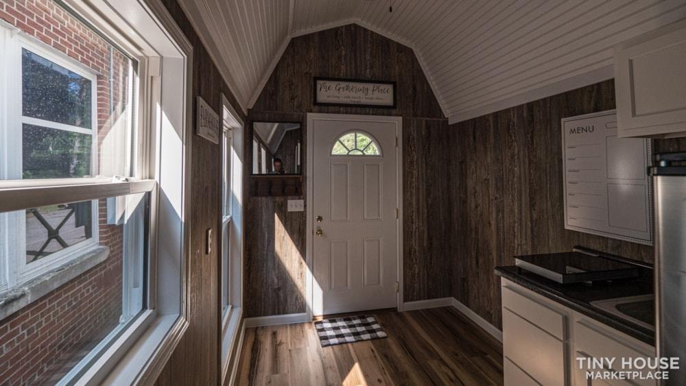(SOLD!) New 24' Tiny House KVEC Lee Co. ATC - Slide 9