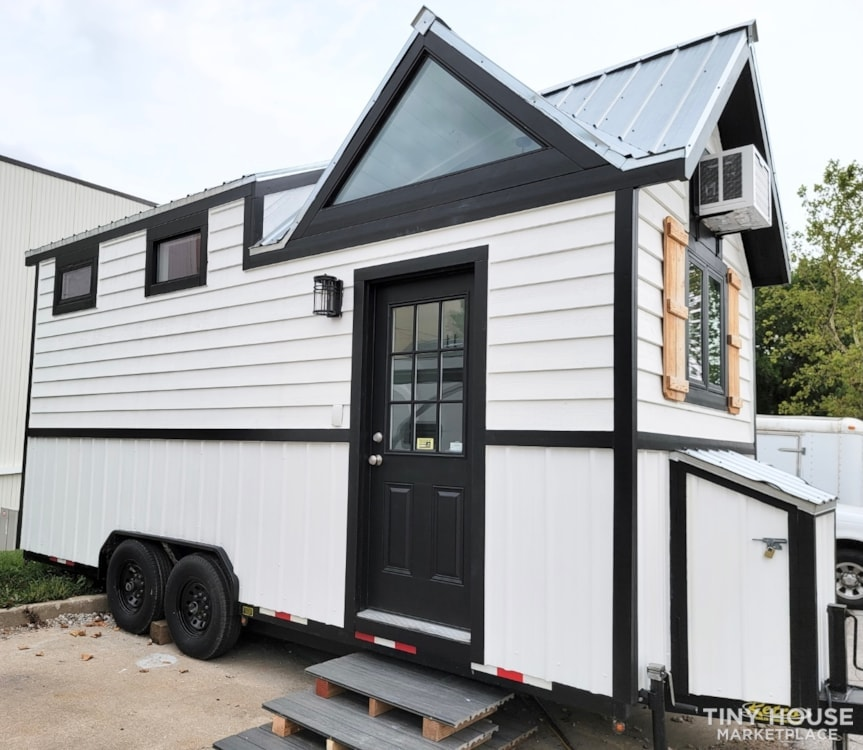 Newly Built Tiny House on 20' Trailer - Slide 1