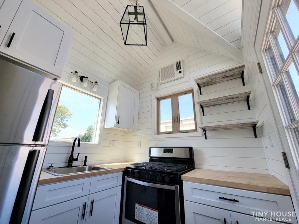Newly Built Tiny House on 20' Trailer - Slide 10