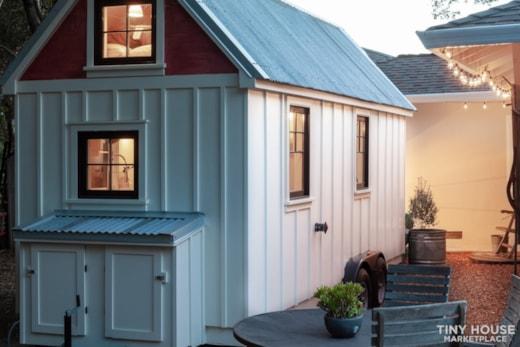 Exquisite Tiny FARMHOUSE on trailer-beautiful!