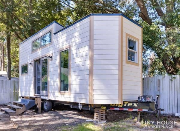 Really cool brand new - never lived-in - tiny home looking for an owner. - Slide 2