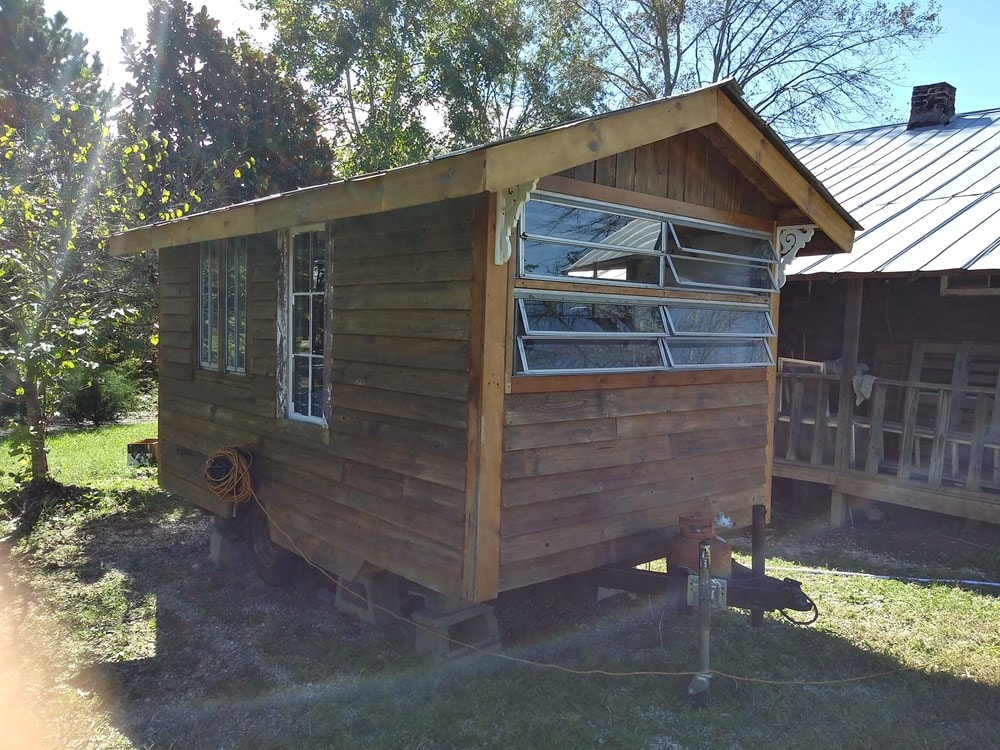 Ole' Smokey Rustic Tiny Home House/Studio - Slide 2