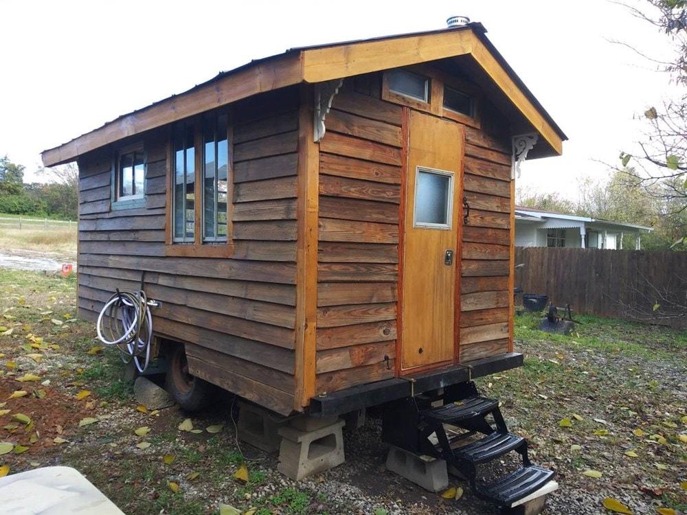 Ole' Smokey Rustic Tiny Home House/Studio - Slide 3