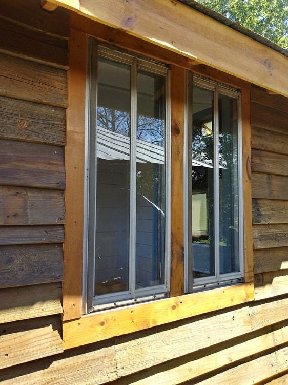 Ole' Smokey Rustic Tiny Home House/Studio - Slide 7