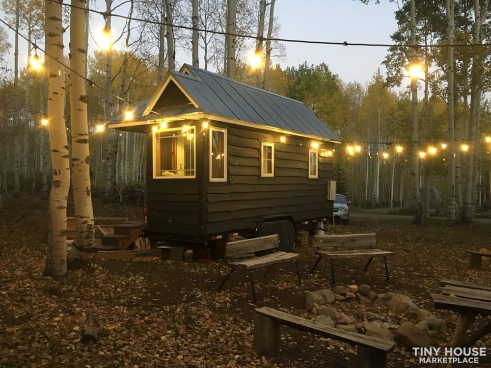 Scandinavian Modern Tiny House - Slide 1