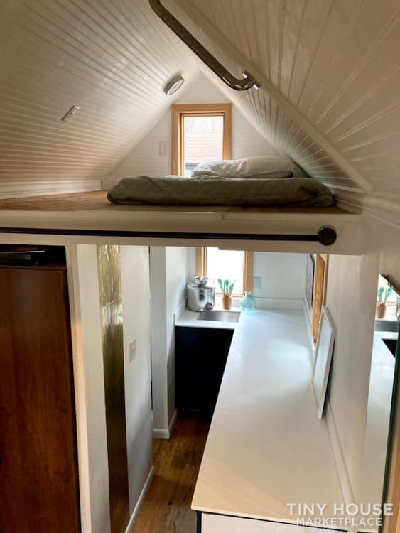 Scandinavian Modern Tiny House - Slide 4