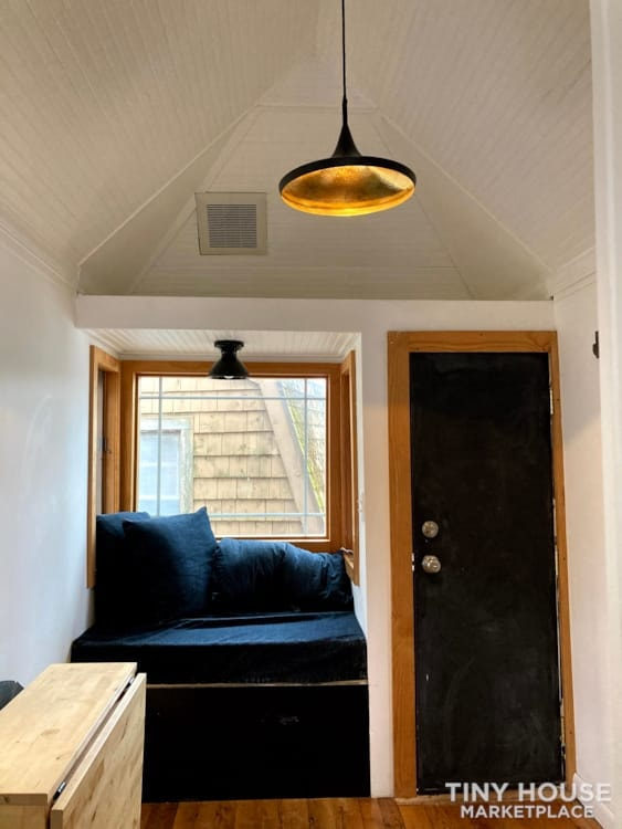 Scandinavian Modern Tiny House - Slide 5
