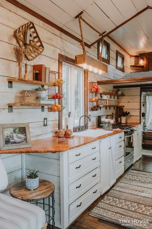 PENDING: Southern Charm Tiny House Featured on HGTV and DIY Network - Slide 9