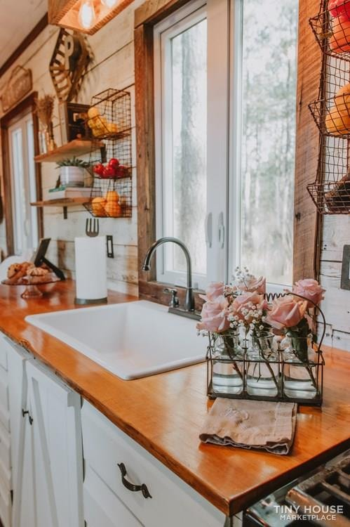 PENDING: Southern Charm Tiny House Featured on HGTV and DIY Network - Slide 15