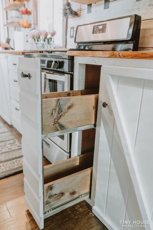 PENDING: Southern Charm Tiny House Featured on HGTV and DIY Network - Slide 16