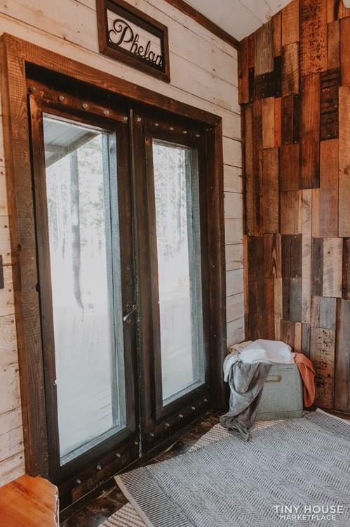 PENDING: Southern Charm Tiny House Featured on HGTV and DIY Network - Slide 27
