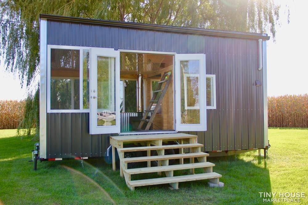 Spartacus Tiny Houses - Modern Off-Grid Living  - Slide 4
