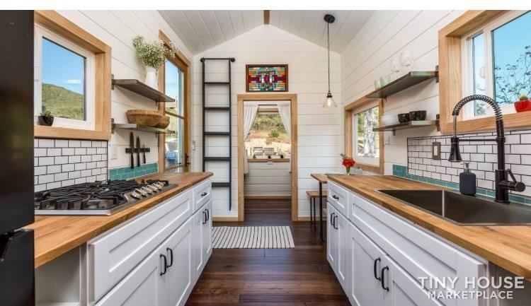 Super Cute New Cottage Tiny Home - Slide 1