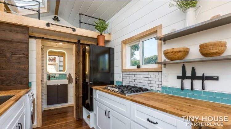 Super Cute New Cottage Tiny Home - Slide 4