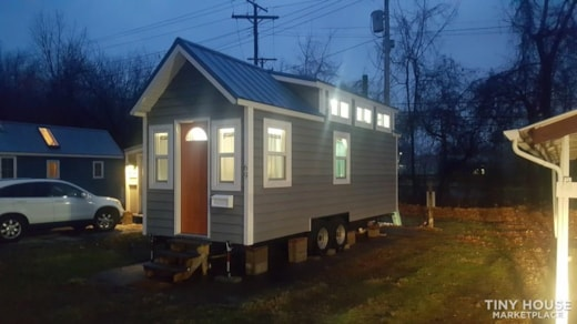 The Accommodating Tiny Home.