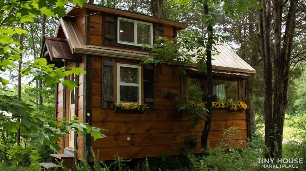 The Best Little Hen House in Tennessee is an 8′ x 16′ Freedom Style Tiny Home - Slide 2
