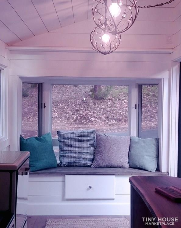 Tiny Guest House  - Slide 3