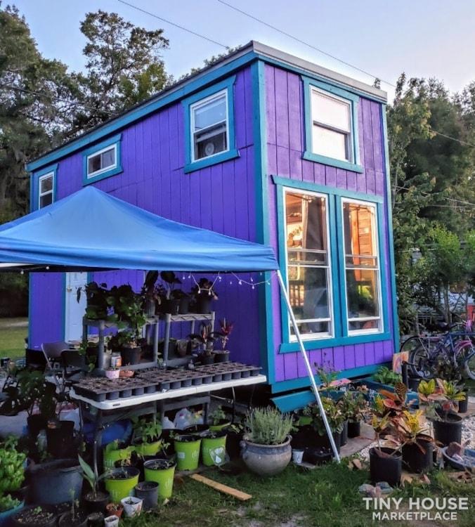 Purple Tiny home - Slide 1