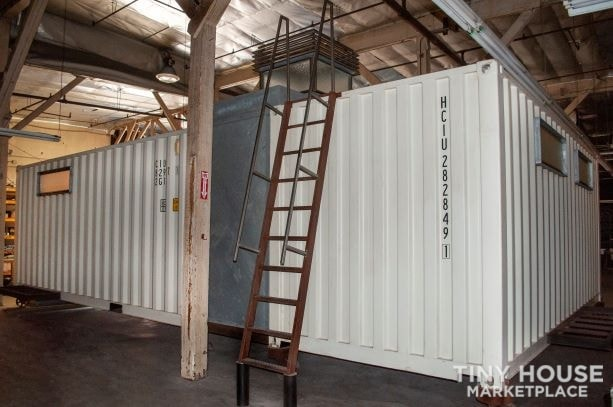 Tiny Home/Office/Container Home - Slide 3