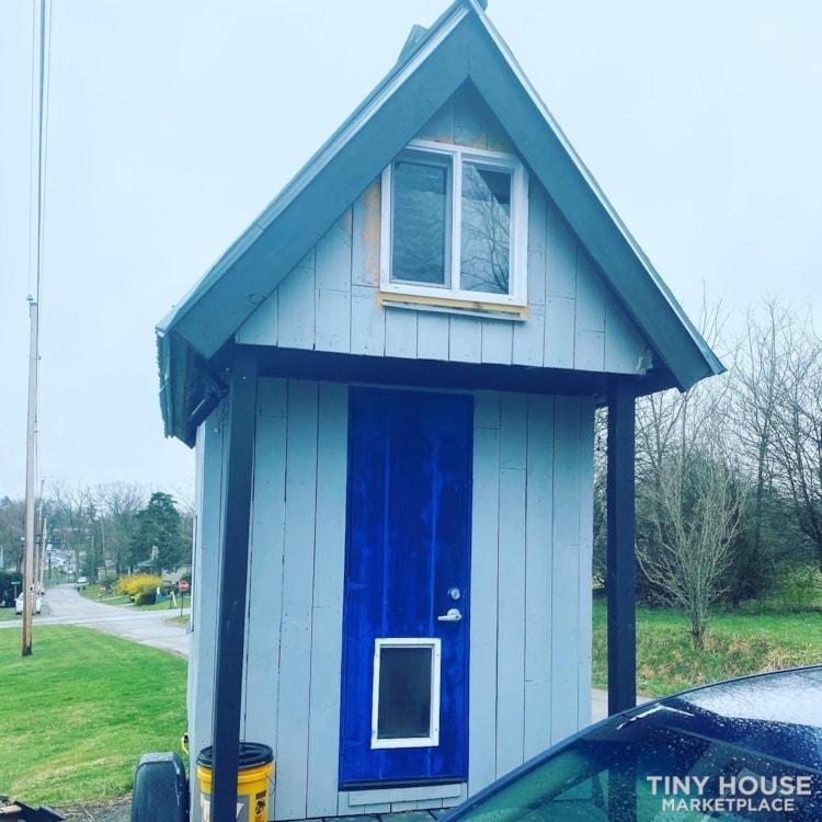 Tiny House  - Slide 1