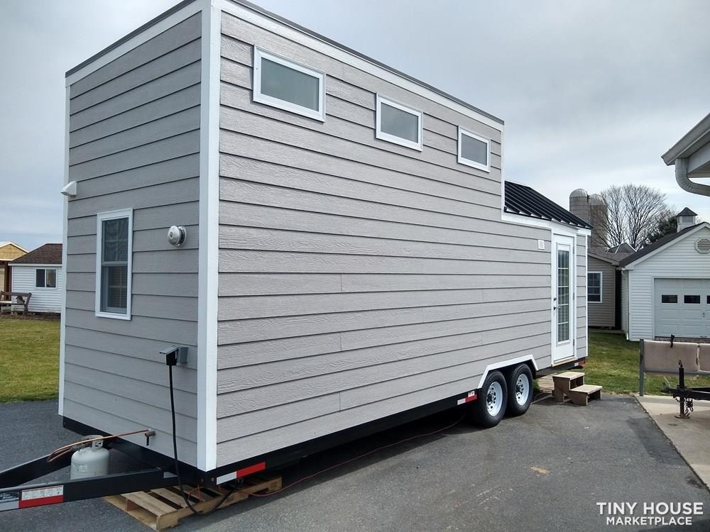 Tiny House for Sale in Mt. Joy, PA - Slide 4