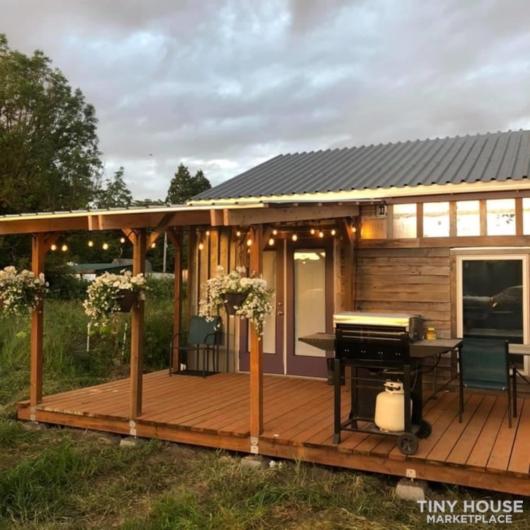 Tiny House Near Seattle - Slide 1