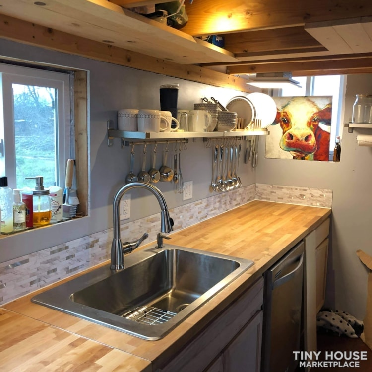 Tiny House Near Seattle - Slide 6