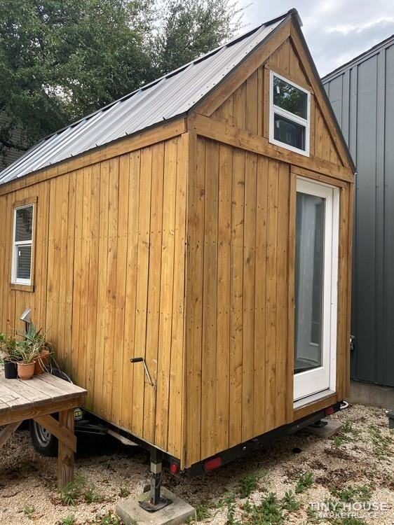 Tiny House on Wheels - Slide 1