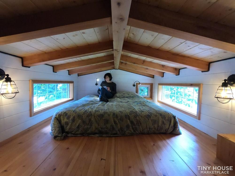 Tiny House on wheels 32ft - Slide 9
