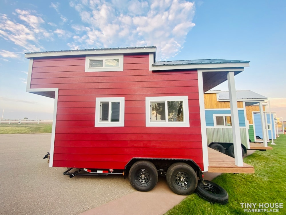 Tiny House Sale   In Stock Today   $22,500 - Slide 1