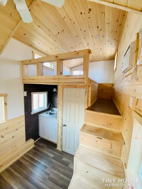 Tiny House Sale   In Stock Today   $22,500 - Slide 3