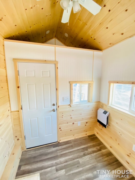Tiny House Sale   In Stock Today   $22,500 - Slide 4