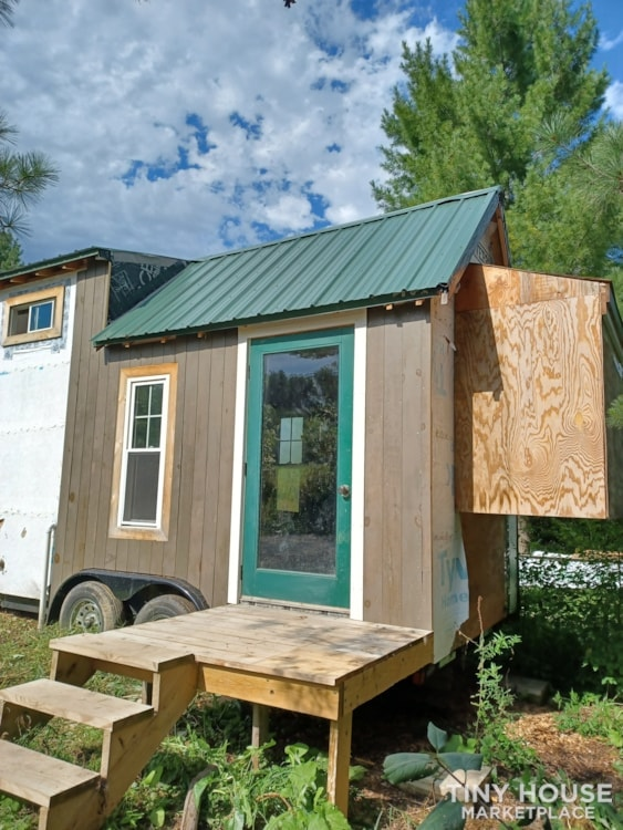Tiny House- Solar, Kitchen, hardwood counters, ready to live off grid - Slide 1