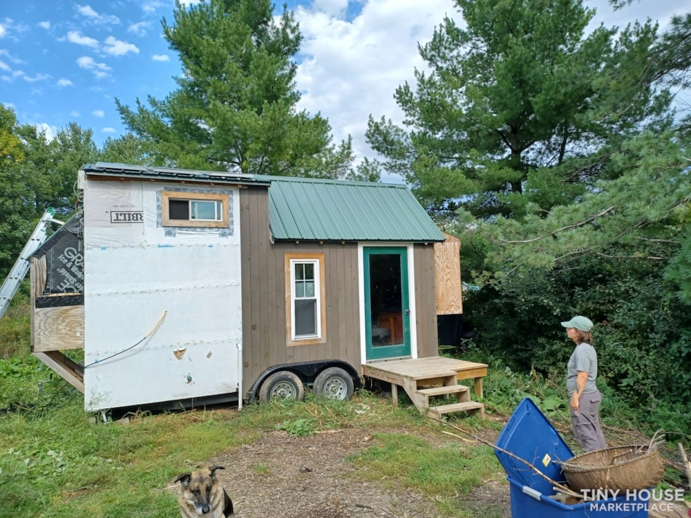 Tiny House- Solar, Kitchen, hardwood counters, ready to live off grid - Slide 2